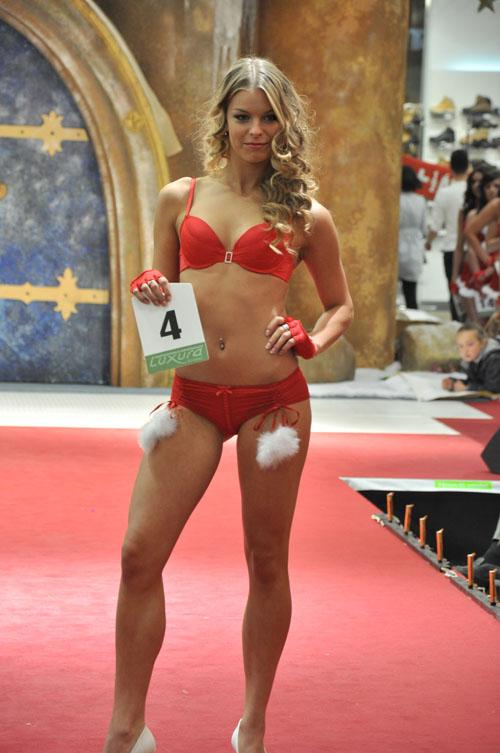 3. helyezett a 19 éves Szabó Nóra Anna lett,